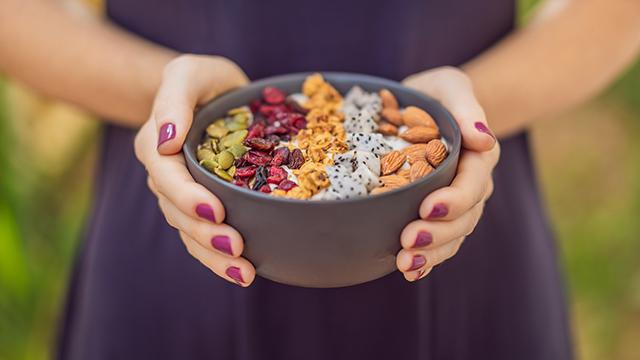 Klein und lebenswichtig: So beugen Sie einem Nährstoffmangel vor